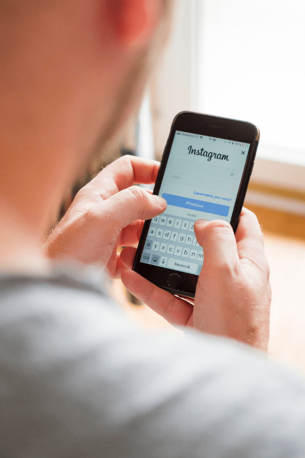 5 Signs You Have An Instagram Addiction