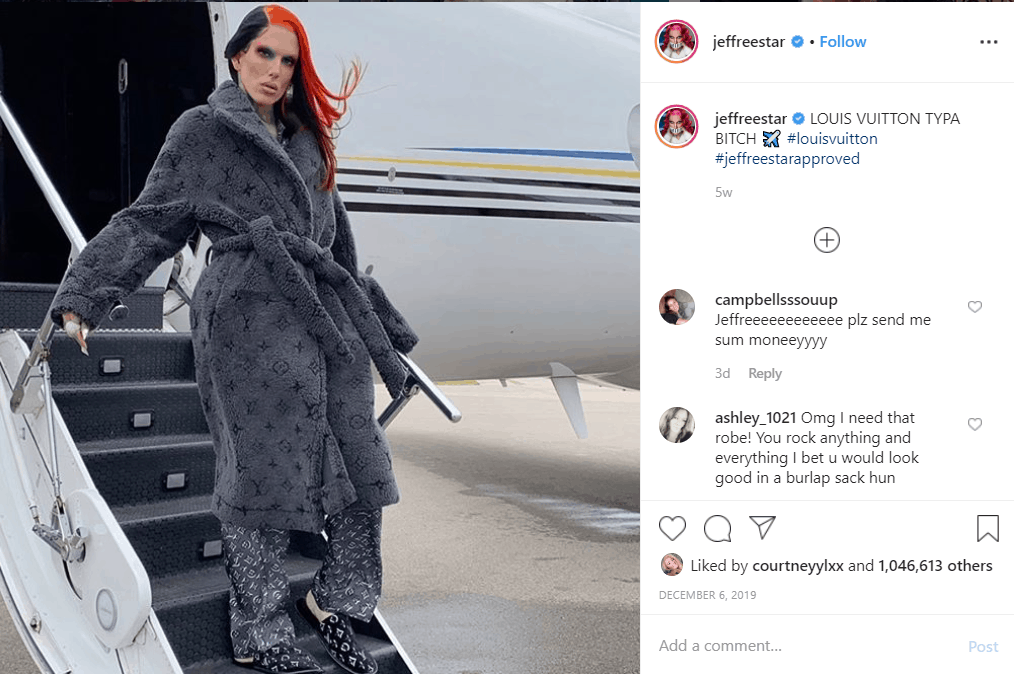 Jeffree Star coming off his private jet in full Louis Viutton look